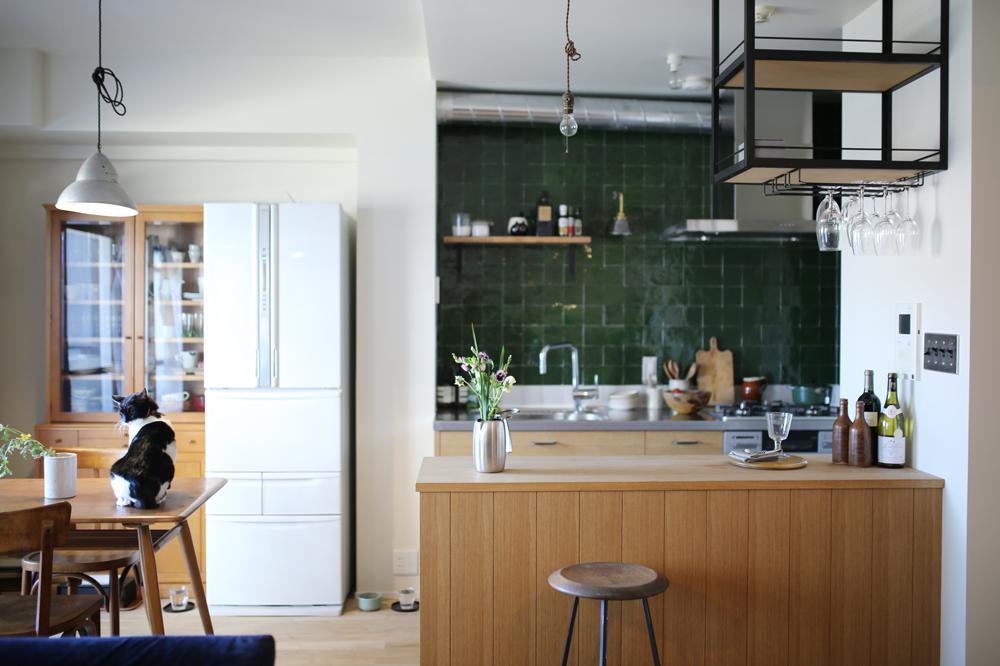 シンプルで開放的な自然光が心地いいキッチン。